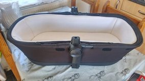 Silver cross pioneer, wayferer carry cot, bassinet. Excellent condition in Lakenheath, UK