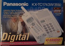 Panasonic 900 mhz cordless answering system in Yorkville, Illinois
