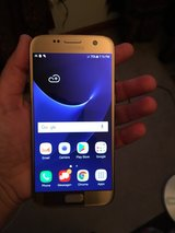 unlocked Galaxy S7 Gold in Lockport, Illinois