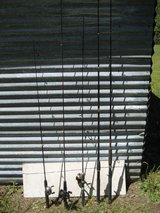 5 Fishing Rods & 3 Reels in Leesville, Louisiana