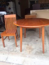 drop leaf table & 2 chairs in Naperville, Illinois