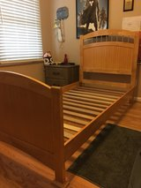 Twin bed - headboard, footboard and frame in Fort Leavenworth, Kansas
