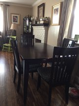 dining table with 4 chairs in Travis AFB, California
