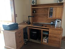 Desk w/hutch and side table in St. Charles, Illinois