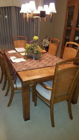 GORGEOUS dining room set in Tinley Park, Illinois