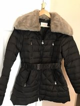 Black Puffer coat with removable faux fur collar in Palatine, Illinois