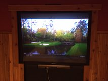 Sony rear projection TV 52 inch in Wheaton, Illinois