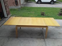 Vintage Quality, Large table w leafs in The Woodlands, Texas