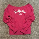 Hollister Sweater XS in Fort Carson, Colorado