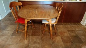 Table & chair set in Fort Campbell, Kentucky