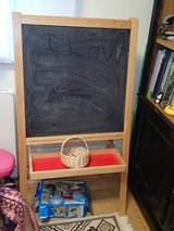 Two-sided Easel for Children: blackboard and washable marker in Wiesbaden, GE