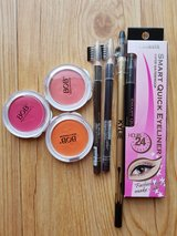 beauty set eyebrow (NEW) in Okinawa, Japan