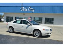 2010 Volvo S80 V8 in Cherry Point, North Carolina
