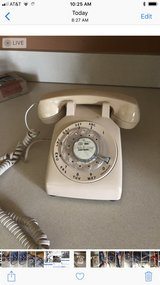 old rotary phone in Morris, Illinois