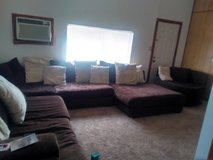 4 piece sectional w swivel chair and chaise lounge. in Lawton, Oklahoma