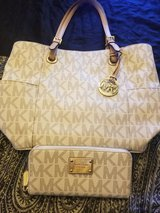 AWESOME MOTHER'S DAY GIFT------MK purse and wallet---EUC in Baytown, Texas