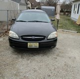 2001 Ford Taurus SE in Glendale Heights, Illinois