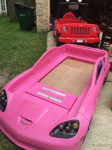 Twin/toddler corvette bed (Like new) in Conroe, Texas