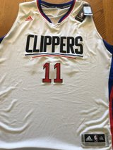 Signed Jamal Crawford Jersey in Yucca Valley, California