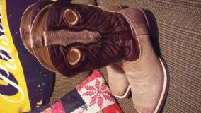 cowboy boots new only wore 1 day in Leesville, Louisiana