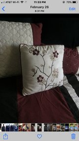 Queen comforter in Fairfield, California