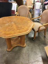 Kitchen/Dining Table With Chairs in Alamogordo, New Mexico