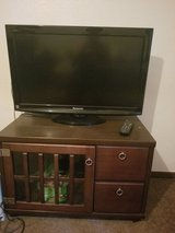 Panasonic tv 32in Hd with tv stand in Okinawa, Japan
