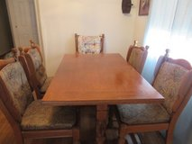 Solid Wood Table and 6 chairs (I have 2 captian chairs ) in Alamogordo, New Mexico