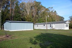A Clean Mobile Home home on large lot in Camp Lejeune, North Carolina