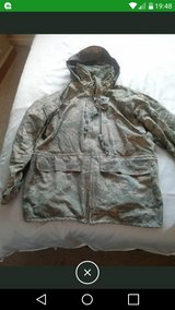 gortex jacket size meduim mens in Lakenheath, UK