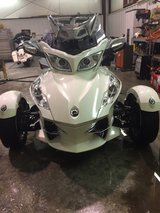 12 CAN AM SPYDER RT LIMITED in Fort Leonard Wood, Missouri