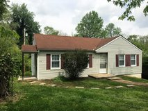 1 Bed 1 Bath Apartment Off Madison St!! in Fort Campbell, Kentucky
