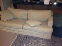 Lazy Boy Couch with wooden legs including wooden legs that screw back on easily in Tacoma, Washington