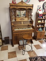 Antique Pump Organ 1890's in Fort Leonard Wood, Missouri