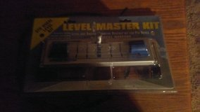 LEVEL MASTER 5TH WHEEL LEVELING KIT NEW IN BOX in Rolla, Missouri
