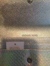 Brand NEW, Michael Kors Wallet in Baytown, Texas