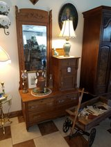 Antique Oak Gentleman's Dresser in Fort Leonard Wood, Missouri