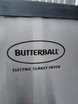 TURKEY FRYER-ELECTRIC in Fort Campbell, Kentucky