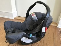 Baby Car Seat with Base Station (Teutonia) in Wiesbaden, GE