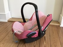Baby (Girl) Car Seat with Base Station (Maxi-Cosi) in Wiesbaden, GE