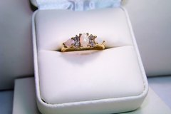 10K Yellow Gold Opal with Diamond Accents Ring Size 7 in Camp Lejeune, North Carolina