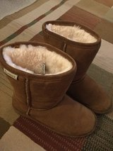 Bear Paw Women's size 7 boots in Naperville, Illinois