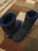 UGG Women's size 7 boots in Naperville, Illinois