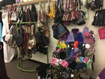 Over 100 Purses and Wallets (New/Used) in Fort Leonard Wood, Missouri