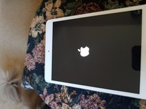 Apple iPad with WiFi 16GB Black (1st gen) - $99 in Fort Carson, Colorado