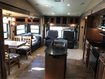5th Wheel Camper in Fort Campbell, Kentucky