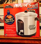 Brand New - Masterbuilt Electric Turkey Fryer & Seafood Kettle in Fort Jackson, South Carolina