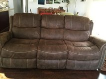 Recliner couch almost new in Temecula, California