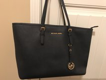 Michael Kors Leather Tote in Warner Robins, Georgia