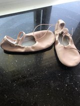 girls ballet shoes in Palatine, Illinois